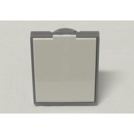 zásuvka bílá/ledová šedá